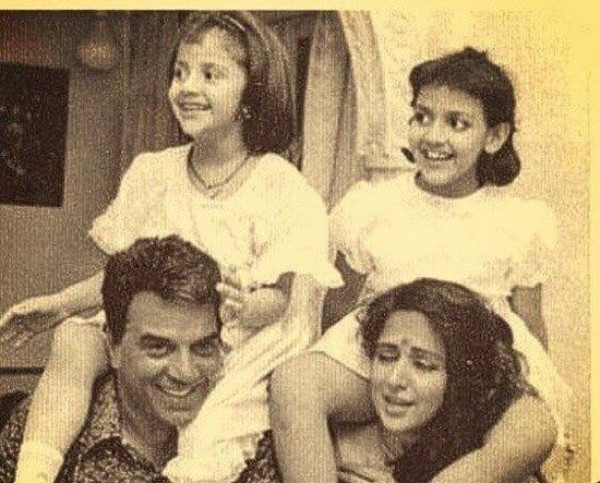 Dharmendra, Hema Malini, Esha Deol and, Ahana Deol Spotted in an Old Picture