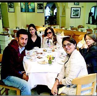 Katrina Kaif, Ranbir Kapoor and Neetu Singh Kapoor Spotted in London