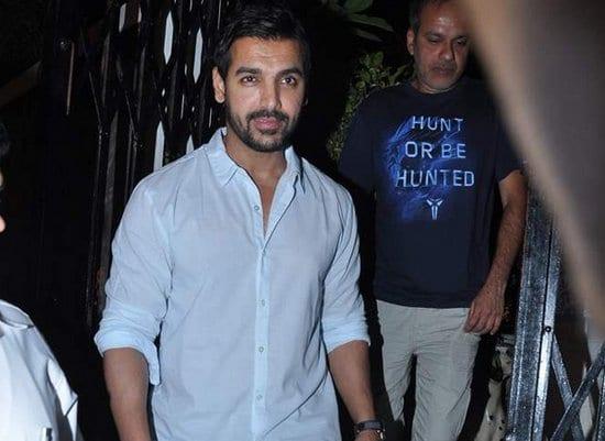 Saif Ali Khan, Kareena Kapoor and John Abraham Spotted at a Restaurant