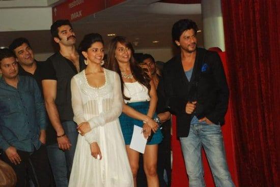 Shah Rukh Khan and Deepika Padukone at the Trailer Launch of Chennai Express