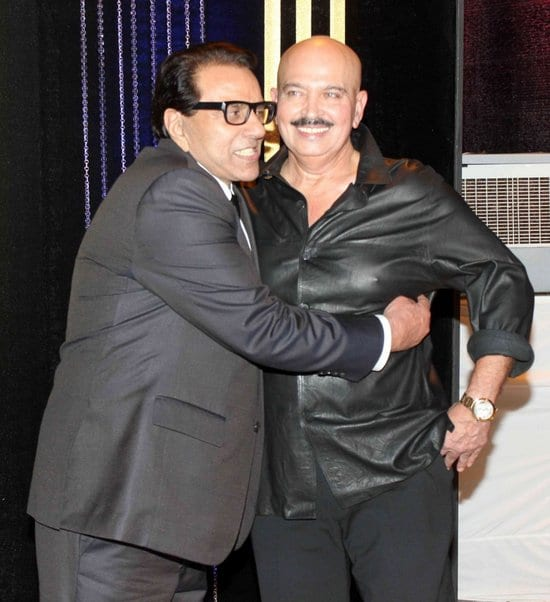 Dharmendra, Rakesh Roshan at Rakesh Roshan's Birthday Celebrations