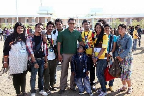 Salman Khan Spotted with Fans