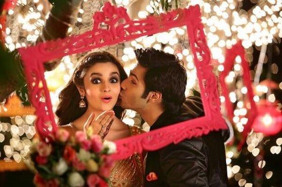 Varun Dhawan Kissing Alia Bhatt in Humpty Sharma Ki Dulhaniya