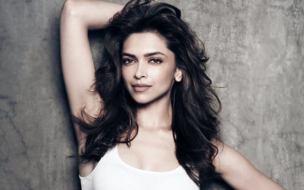10 REASONS WHY GIRLS LOOK UP TO BOLLYWOOD ACTRESS DEEPIKA PADUKONE