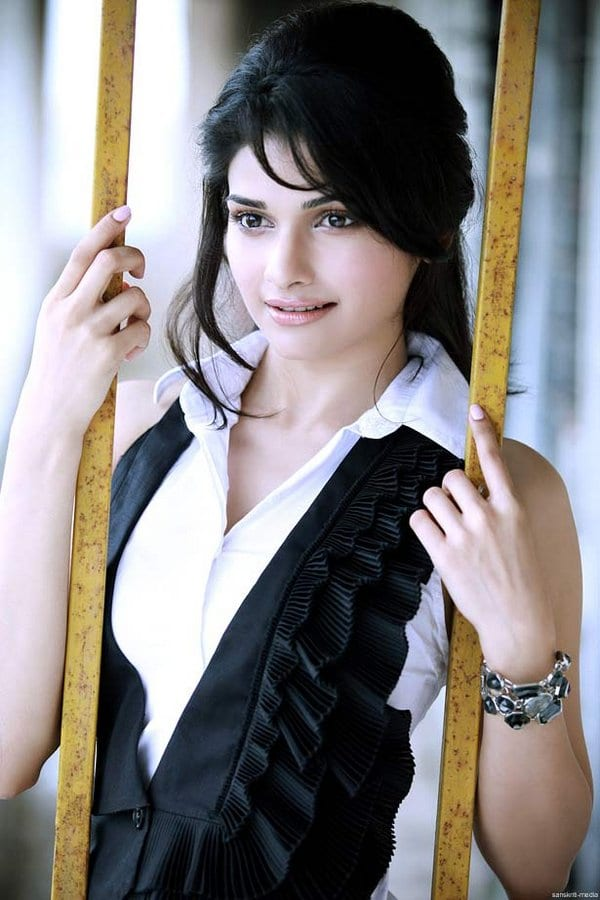 Prachi Desai on how Bollywood choses looks over talent